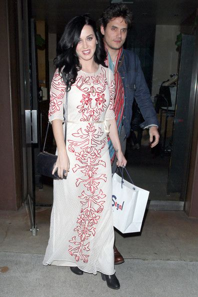 Katy Perry Photos Photos - Musical couple Katy Perry and John Mayer are seen leaving Vincenti restaurant after having dinner on Valentine's Day in Brentwood, Los Angeles. - Katy Perry and John Mayer Leave Vincenti Restaurant