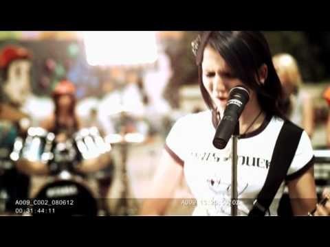 BLAXY GIRLS - IF YOU FEEL MY LOVE - OFFICIAL VIDEO HD - YouTube