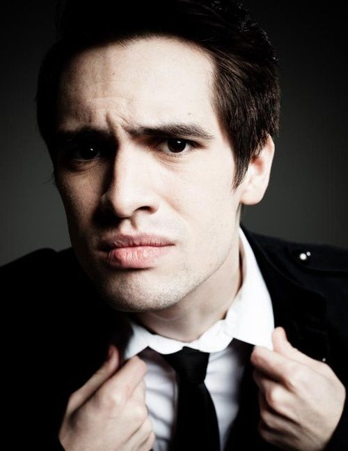 Brendon Urie. OBSESSED with his lips.