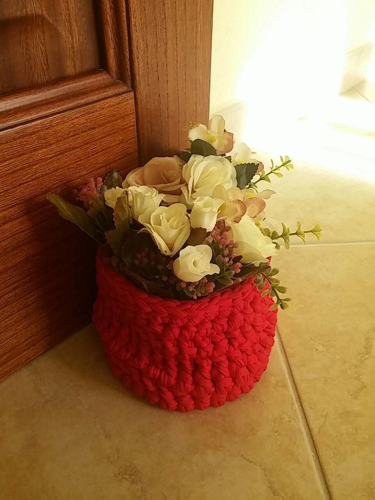 Cestino fermaporta in fettuccia con fiori handmade di Giovanna Demurtas