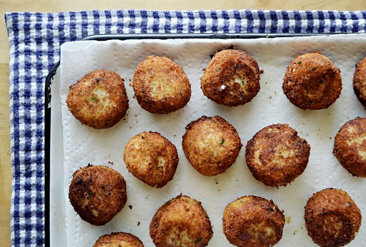 Enjoy a classic Bostonian Sunday Breakfast with this recipe for salt cod fritters (or cod cakes, or creamed cod), served with hot coffee, baked beans, and brown bread.