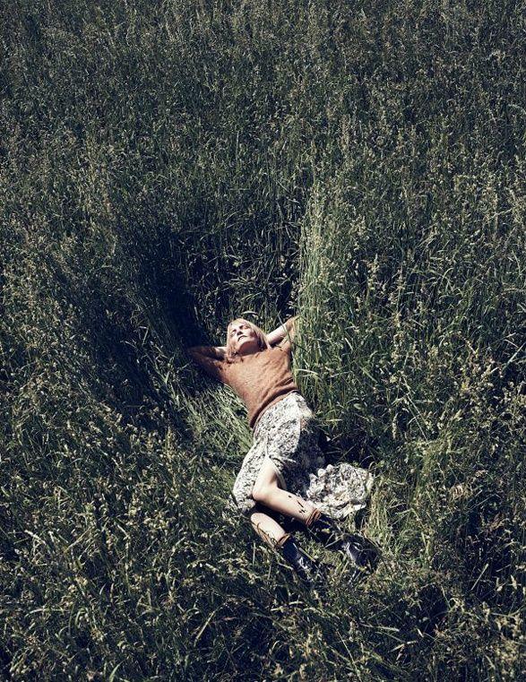 splitpeavintageblog:    Escondite inglés | Kirsten Owen by Lachlan Bailey for Vogue España September 2011