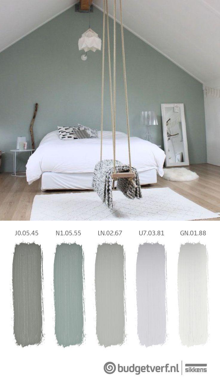 Prachtige rustgevende slaapkamer... De combinatie van groen met het hout, fantastisch!