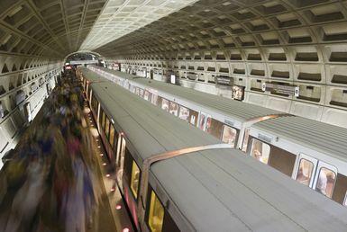 Rush hour on the Metro, Washington DC, USA - Tim Santimore/Getty Images