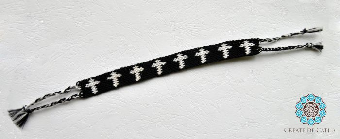 Friendship bracelet, cross pattern