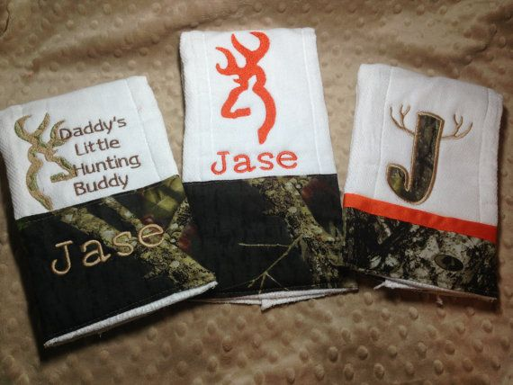 Hey, I found this really awesome Etsy listing at http://www.etsy.com/listing/169551037/personalized-burp-cloth-set-hunting