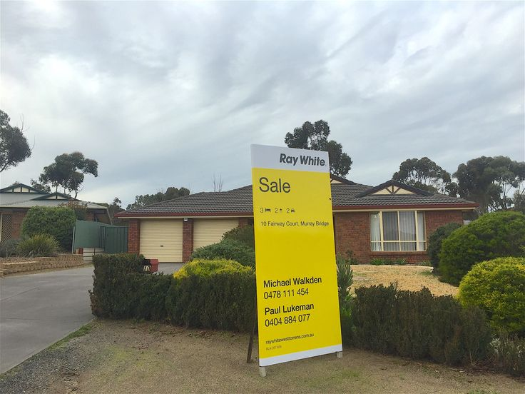 10 Fairway Cct Murray Bridge - Presented For Sale By Ray White West Torrens - #raywhite #yellow #forsale #rwwt #wt #westtorrens #property #realestate #murraybridge