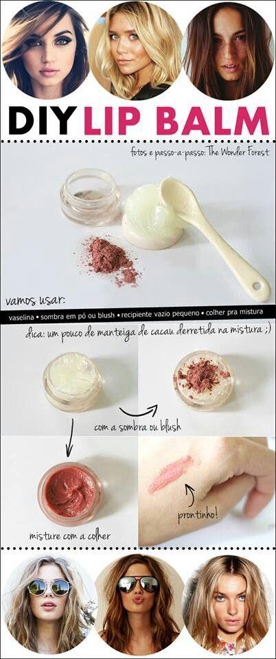 Como hacer balsamo de labios: usar vaselina en crema + sombra de ojos o rubor del color que prefieras + un pequeño pote donde trasladarlo. Si prefieres para que tenga aroma rico le agregas aromatizante comestible....mezclas todo y listo
