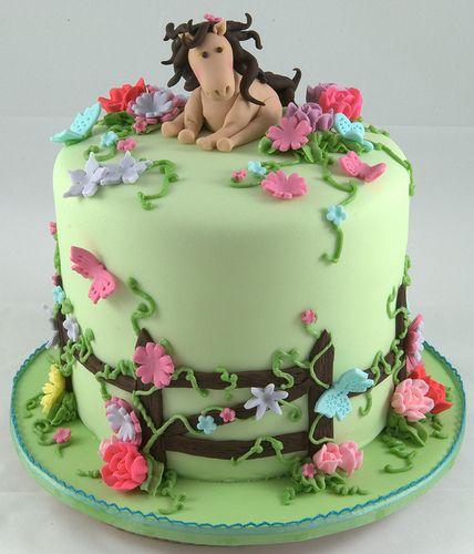 Birthday Cake Ideas With Horses : Best 25+ Horse birthday cakes ideas on Pinterest