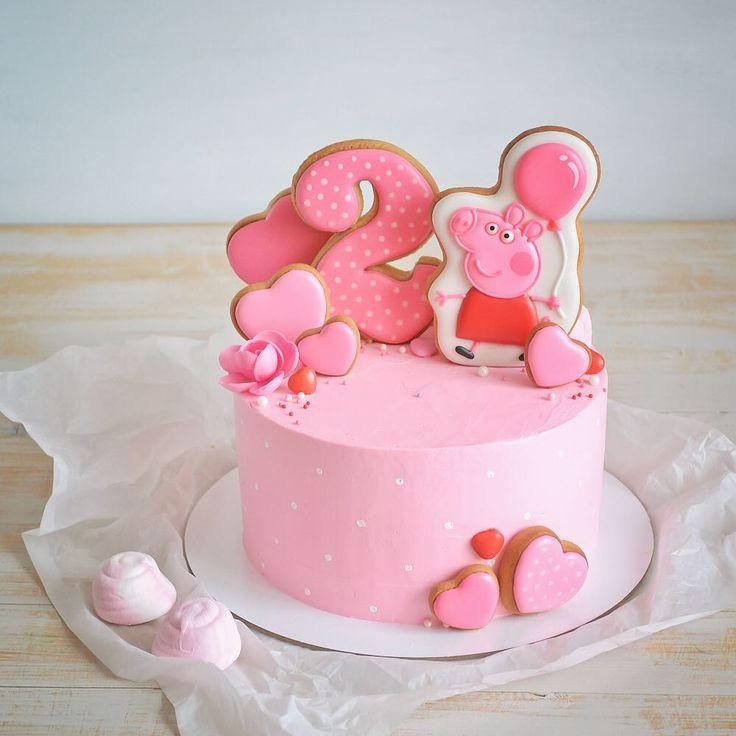 Розовый розовый тортик Для старшего братика я уже делала сладости на день рождения, теперь вот тортик для младшей сестренки) Приятно, когда снова ко мне обращаются) Очень приятно❤️