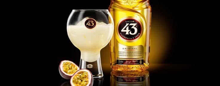 Dit drankje, dat doet denken een tropisch paradijs, is perfect geschikt als je eens een nieuwe draai aan onze Blanco 43 wilt geven.