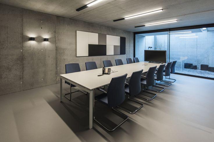 www.havic-kantoormeubelen.nl/ - design kantoormeubelen - vergaderruimte - grijs - blauw - kantoor meubilair - modern