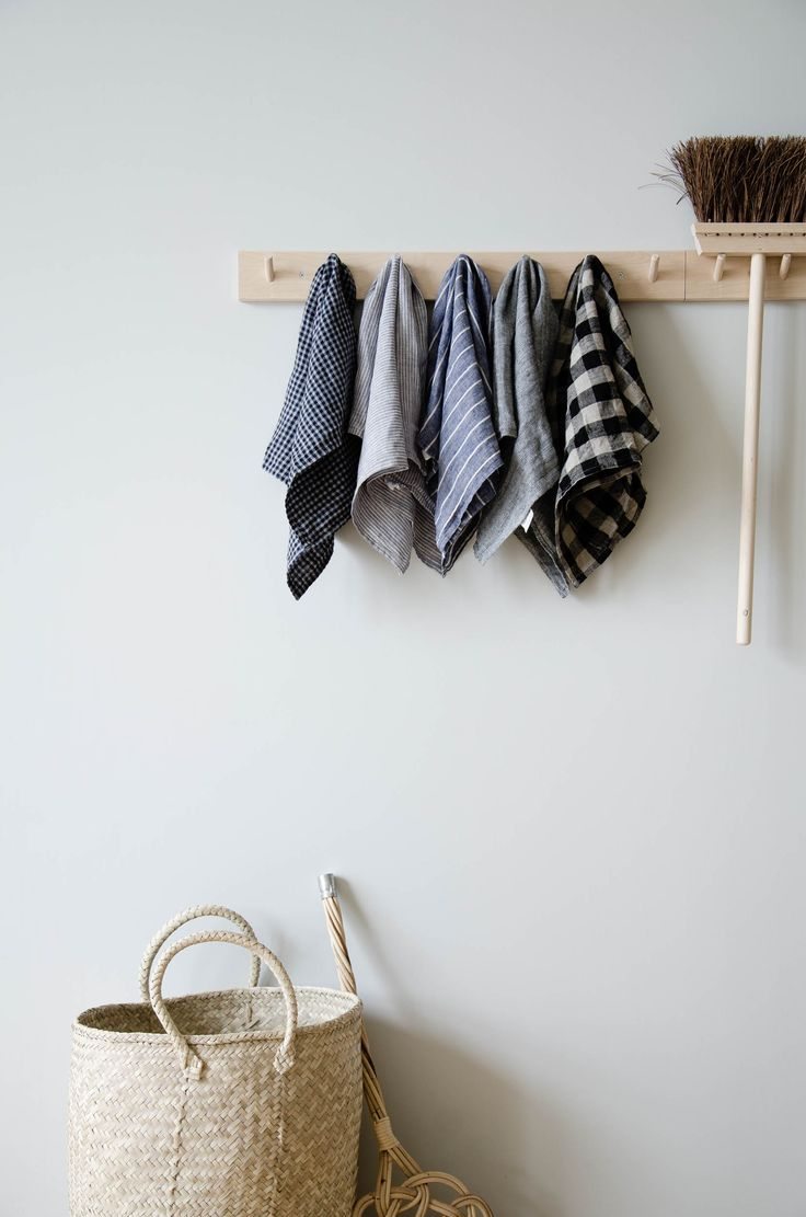 """These long-lasting natural linen kitchen towels will only get softer and more absorbent with each wash. A nifty cotton loop allows for it to easily hang-dry. Made in Lithuania 17.5"""" W x 25.5"""" L 100% linen Made in Lithuania Machine wash gentle, dry cool or line-dry."""
