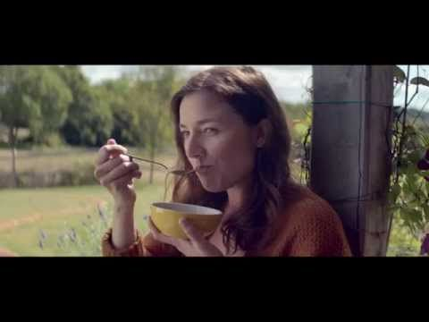 Quaker Granola - UK TV Advert - YouTube