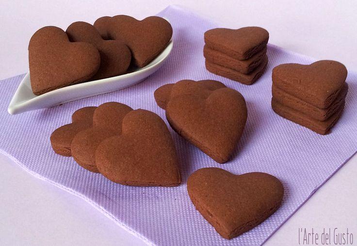 Cuori golosi al cacao, frollini friabili senza uova