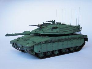 """Merkava Mk. IV (Polska wersja) - Model współczesnego czołgu podstawowego konstrukcji izraelskiej. Model z oznaczeniami polskimi. Model plastikowy z elementami fototrawionymi, ręcznie złożony i ręcznie pomalowany w skali 1:35. Uwaga: model fantastyczny, Wojsko Polskie w swojej historii nigdy nie posiadało ani nie posiada tego typu czołgu.Merkava Mk. IV (Polish version)"""" (131944) - This is model of modern tank, the basic structure of Israel."""