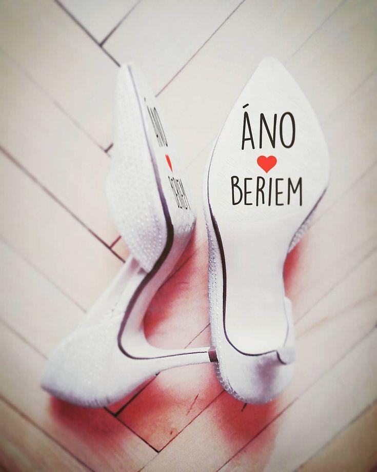 Nálepky na svadobné topánky