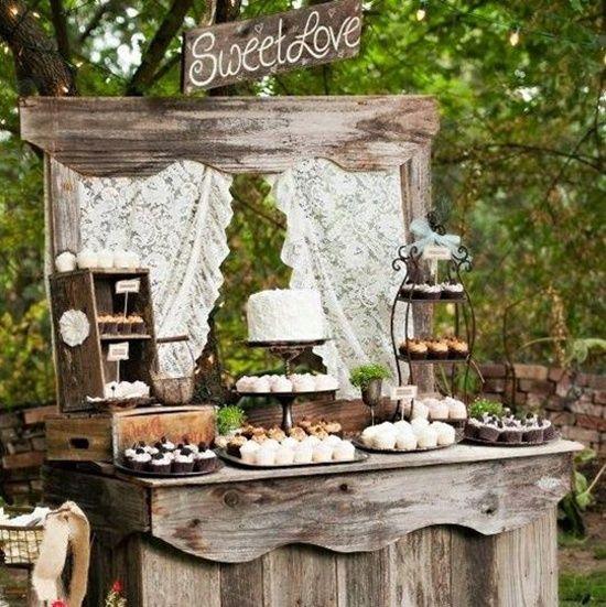 decoración de bodas rusticas mueble de madera antigua
