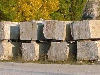 Tömbkő Budakalászi mészkő tömb Limestone from Hungary