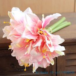 2017 ramos de flores falsas hermosas Venta al por mayor-1 PCS flores falsas hermosas flores de seda de ramo de lirio artificial flores casero de decoración de la boda Bouquet F331 ramos de flores falsas hermosas baratos