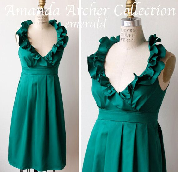 RESERVED for LAURA emerald green cotton ruffle v-neck bridesmaid dress 7/6 - stunning bridesmaid dresses