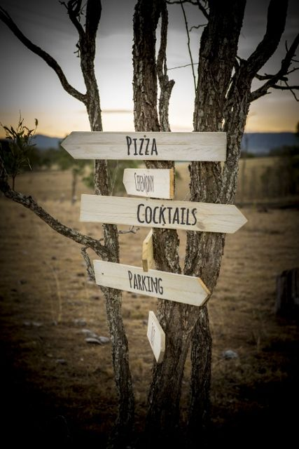 Great rustic signs to help your guests!