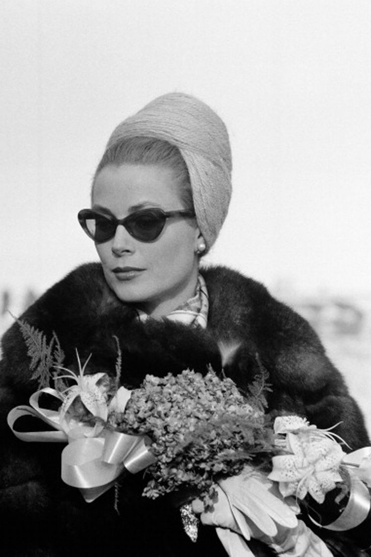 584 best images about grace kelly on pinterest poodles for Townandcountrymag com customer service