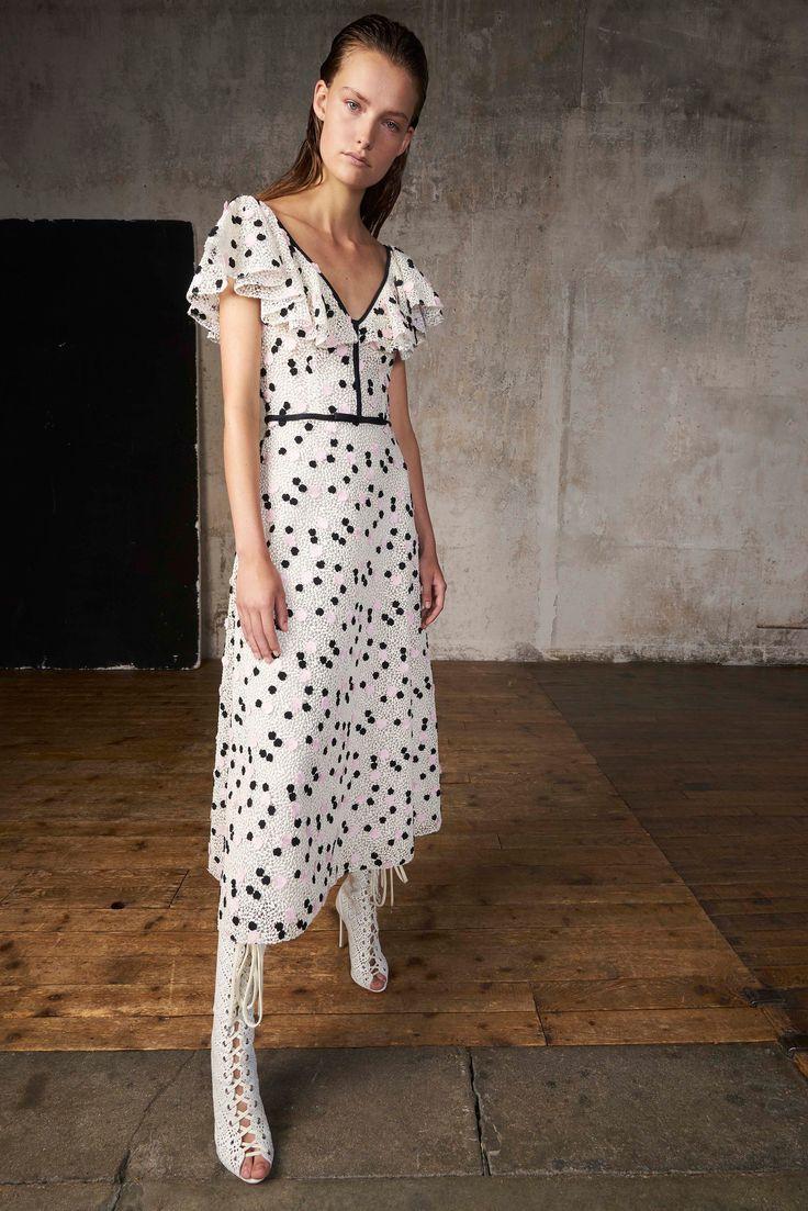 Giambattista Valli Resort 2018 Fashion Show