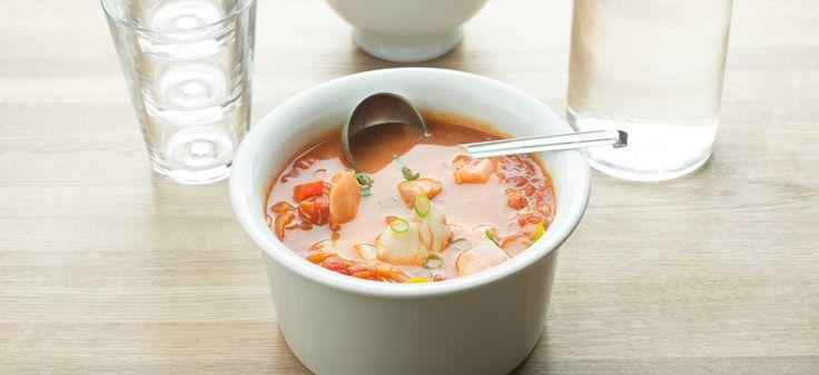 Dette er en kjent og klassisk fiskesuppe fra det franske kjøkkenet. Alle typer fisk kan brukes i retten.