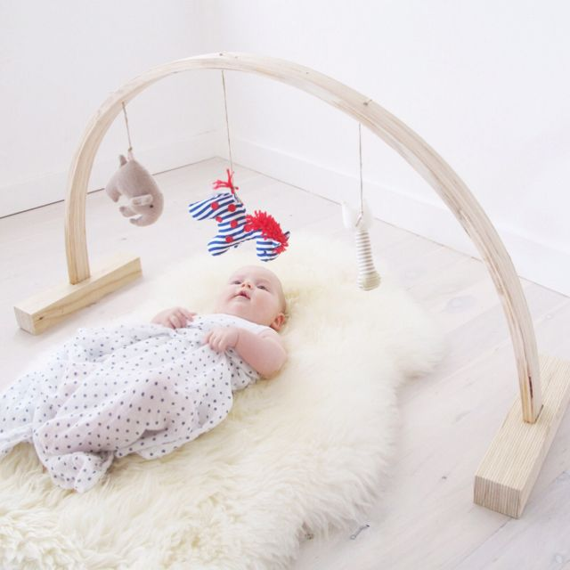 Sweet...: Sheepskin Rug, Baby Mobiles, Babygym Diy, Baby Toys, Rainbows Baby, Baby Rooms, Baby Plays Gym Diy, Kids Rooms, Baby Gym