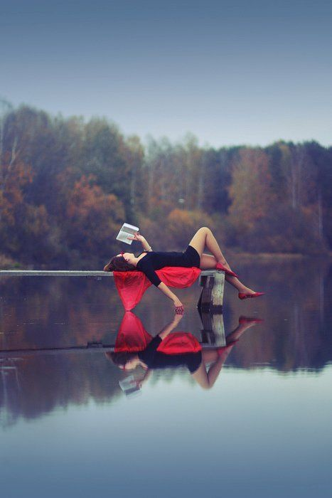 I love to read, especially on the lake or beach! This looks to peaceful..: Senior Pictures, Idea, Red, Lakes, Quiet Places, Senior Pics, Good Book, Senior Portraits, Reading Spots