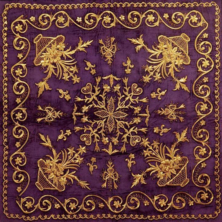 Embroidered bohça (wrapper). Late-Ottoman, 19th c. 'Goldwork' embroidery on velvet; technique: 'sarma' / 'Maraş işi'.