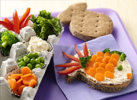 Movie Night to #DIY For: Fun Snacks, Picnics Perfect, Kids Sandwiches, Sandwiches Cutters, Lunches Ideas, Picnics Baskets, Picnics Parties, Snacks Ideas, Movie Night Snacks