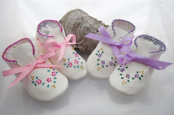 Beaded Baby Moccasins/Shoes made of soft by AuthenticNativeMade, $38.00