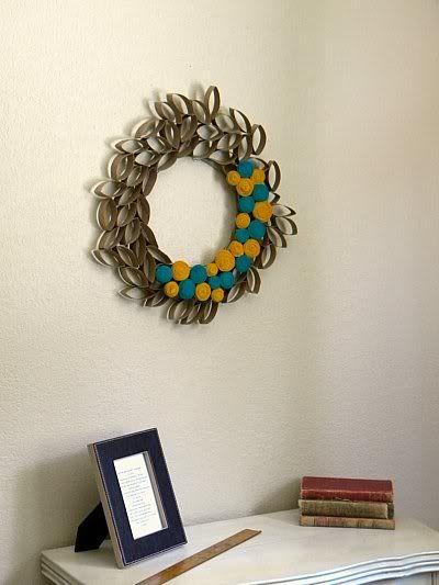Springtime Wreath made from TP rolls and t-shirt rosettes. Now I can justify saving all those rolls.  :)Toiletpaper Wreaths, Rolls Ideas, Toilet Paper Rolls, Toilets Paper Rolls, Rolls Wreaths, Toilets Rolls, Paper Toilets, Diy Toilets, Crafts