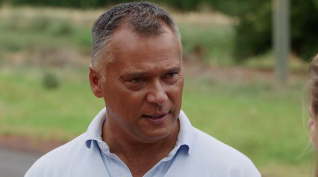 Indigenous journalist Stan Grant has spoken candidly about growing up terrified of being removed from his family by the government because of his Aboriginality. | Stan Grant Has Revealed What It Was Like Growing Up Indigenous In Australia - BuzzFeed News