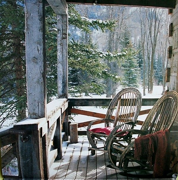 love this setting: Rustic Porches, Winter Cabin, Rocks Chairs, Cups Of Memorial, Cabin Porches, Winter Porches, Woods, Logs Cabin, Front Porches