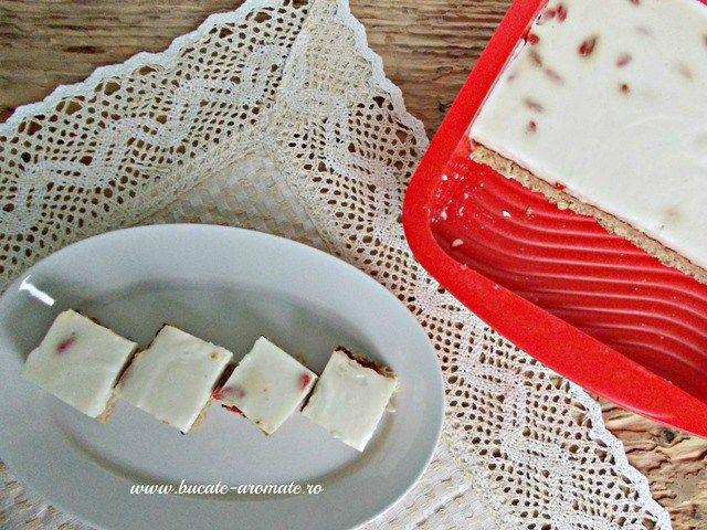 prajitura Dukan cu crema de iaurt
