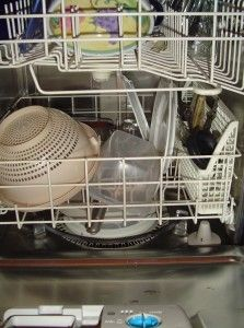 how to clean your dishwasher: Clean Kitchens, Households Cleaners, Dishwashers Cleaners, Clean A Dishwashers, Dishwasher Detergent, Homemade Dishwashers Detergent, Clean Ideas, Clean Solutions, Glasses Cleaners