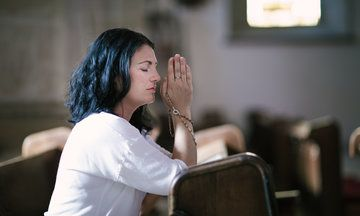 Study Reveals Women Are More Religious Than Men