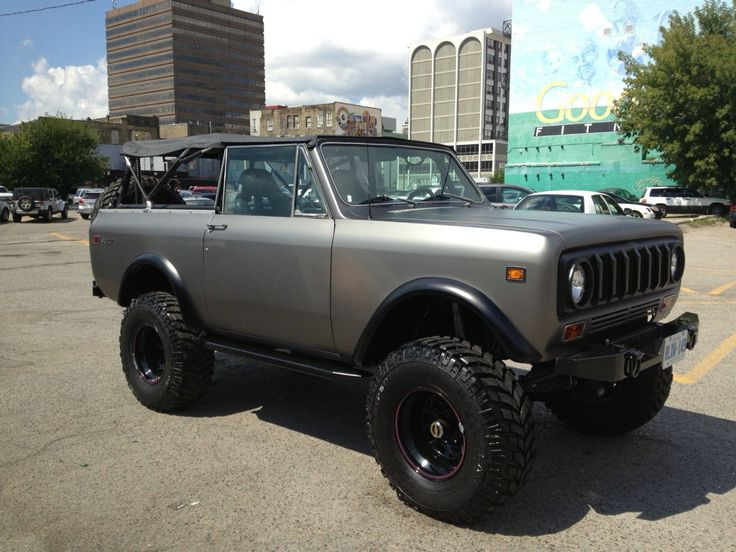 Look at this beautiful lady!  1976 international scout II