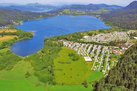 Naturisten camping Müllerhof ligt in de 4 Merenregio direct aan het Keutschacher meer, midden in de mooiste provincie van Oostenrijk; Karintië. Omgeven door schitterende weilanden, bossen, bergen (de hoogste berg van Oostenrijk, de Grossglockner 3.798 m), meren, nationale parken en gletsjers...
