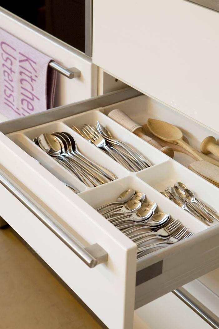 Abre El Cajón De Los Cubiertos Organizador De Cubiertos Organización De Cocina Organizar Cocinas Pequeñas