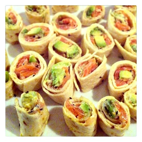 Sushi wraps with salmon and avocado (add wasabi) (recipe is in Dutch)