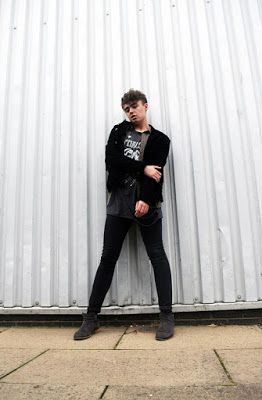 TREND: GRUNGY LAYERS menswear fashion and style.  iamclaytonevans.blogspot.co.uk