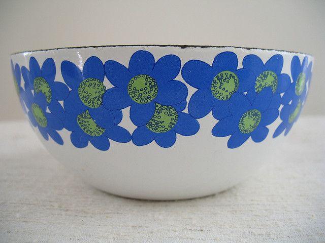 Arabia Finel Enamelware   Finel (Finland) Vintage Enamel Bowls