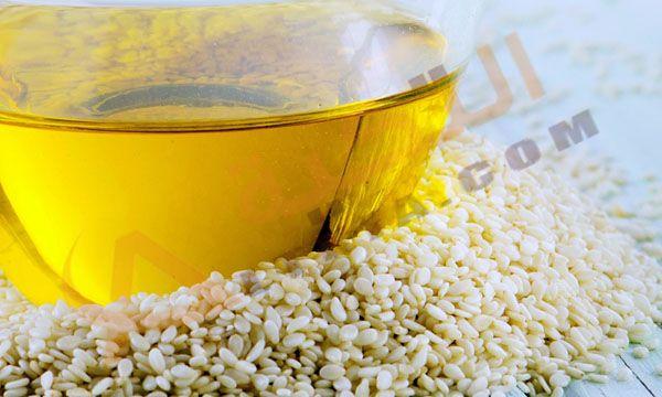 فوائد زيت السمسم للشعر وهو زيت نباتي يتم استخراجه من بذور السمسم الذهبية ويتمتع بالعديد من الفوائد الجمالية للمرأة من أهمها ال Dog Food Recipes Sesame Oil Oils