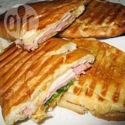 Medianoche (een klassieke Cubaanse sandwich)