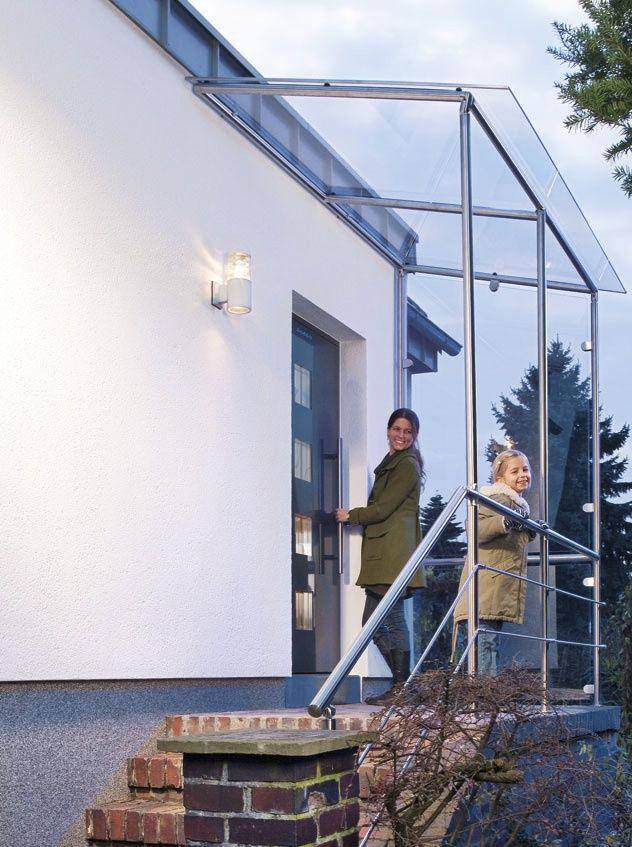Das selbst gebaute Vordach nach dem ProKilo-Baukasten-Prinzip sieht nicht nur super aus, dass integrierte Geländer bietet zudem größtmögliche Sicherheit #Vordach