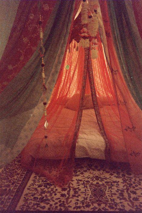 boho bedArabian Night, Ideas, Tents, Dreams, Beds Canopies, Canopies Beds, Boho, Bohemian Bedrooms, Bed Canopies
